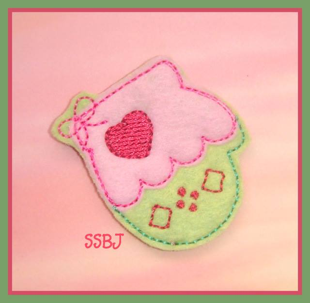 Christmas Mitten Embroidery File